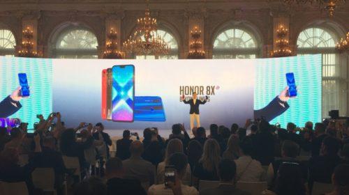 Na Pražském hradě proběhlo slavnostní odhalení nového smartphonu Honor 8X