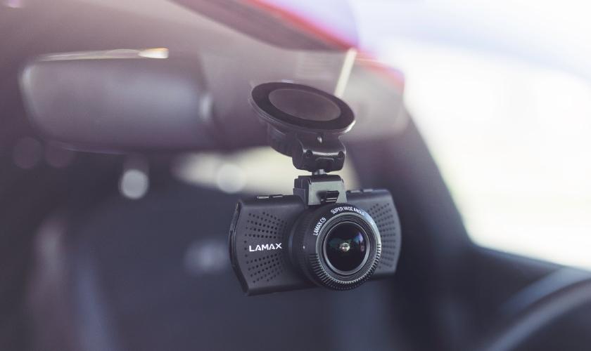 lamax autokamera