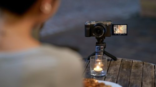 Nový fullframe fotoaparát s lehkým tělem